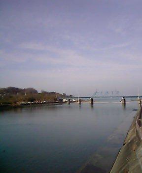 湊橋サイド